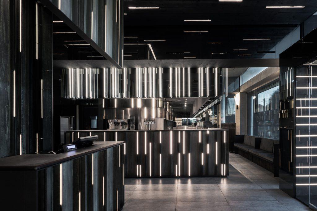 La forma de la luz: una nueva idea de espacio define la experiencia gastronómica de un restaurante asiático en Milán 2