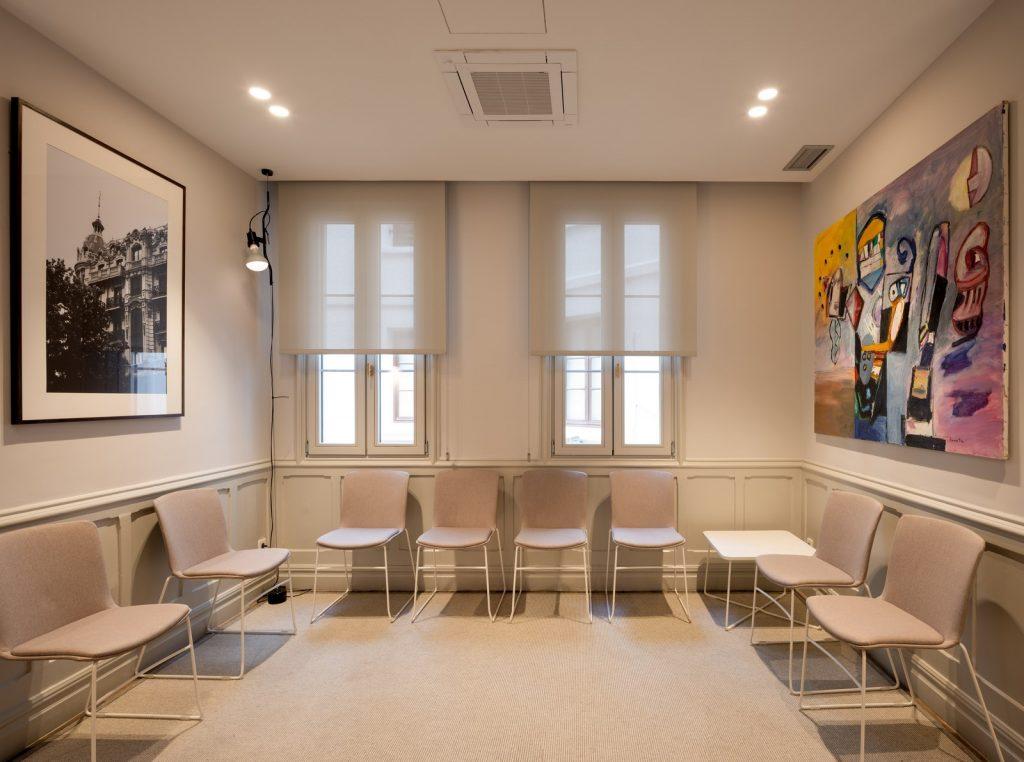 La creación de una galería de arte en unas oficinas 5