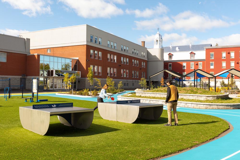 Collège Saint-Paul: llevar el interior al aire libre 13