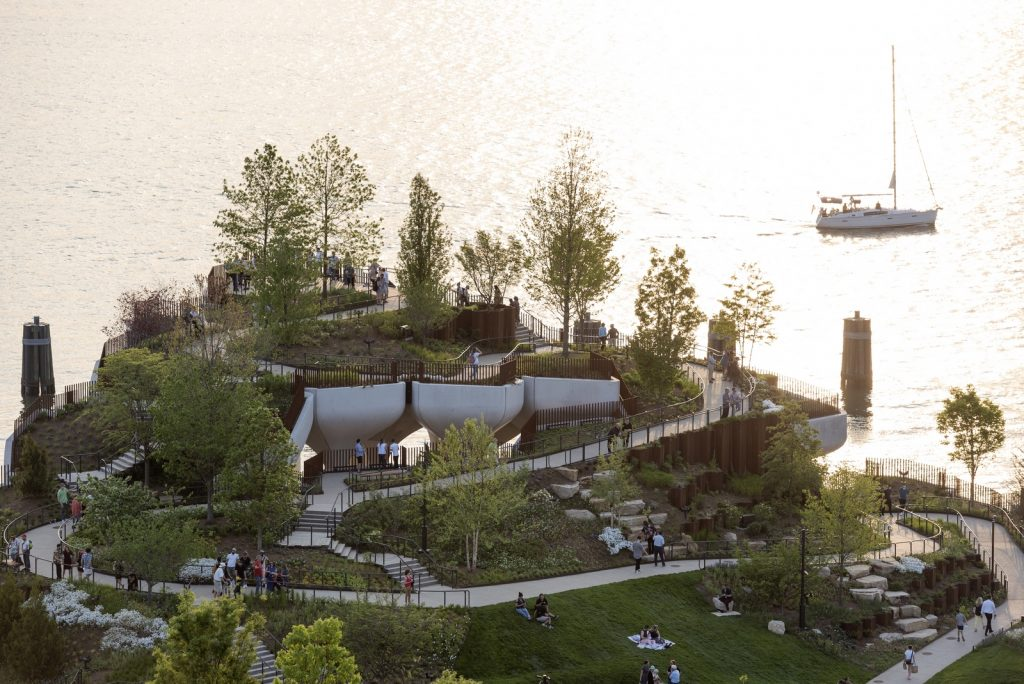 Thomas Heatherwick completó el parque y el teatro de Little Island en la ciudad de Nueva York 2