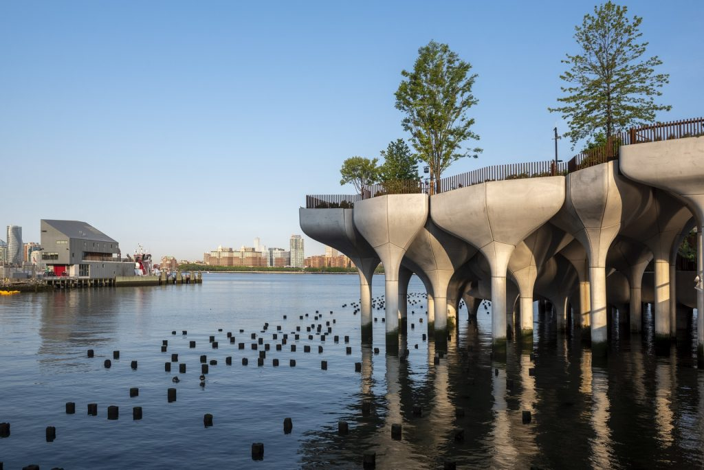 Thomas Heatherwick completó el parque y el teatro de Little Island en la ciudad de Nueva York 6
