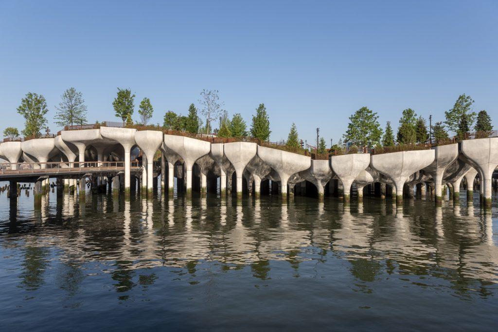 Thomas Heatherwick completó el parque y el teatro de Little Island en la ciudad de Nueva York 8