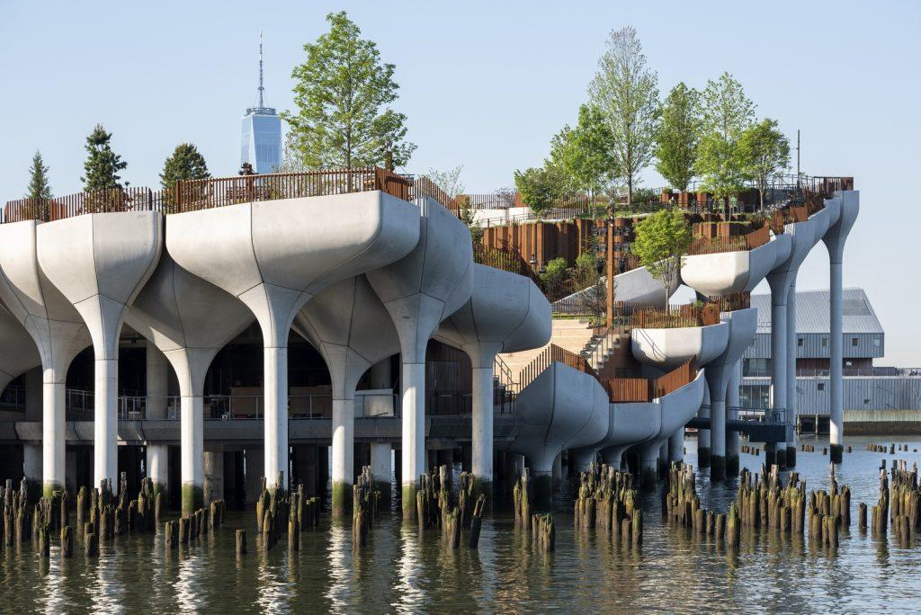 Thomas Heatherwick completó el parque y el teatro de Little Island en la ciudad de Nueva York 10