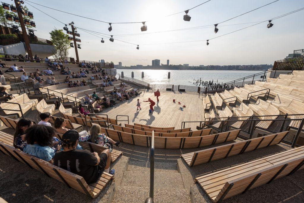 Thomas Heatherwick completó el parque y el teatro de Little Island en la ciudad de Nueva York 17