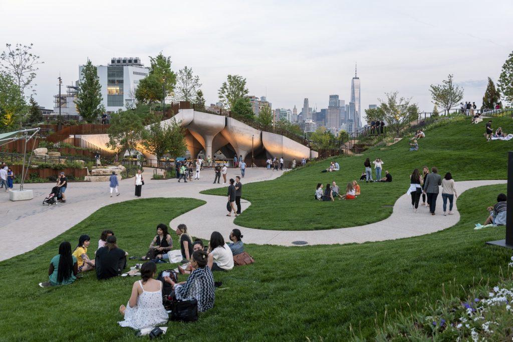 Thomas Heatherwick completó el parque y el teatro de Little Island en la ciudad de Nueva York 21