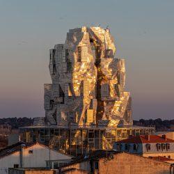 Con brillo propio: Luma Arles, por Frank Gehry 13