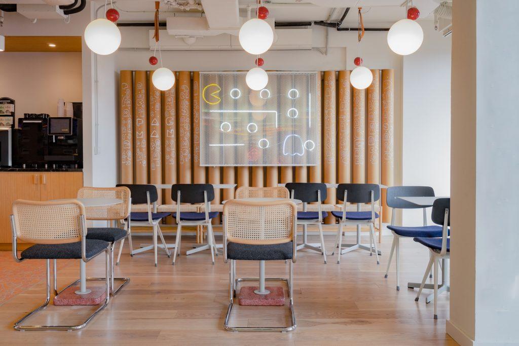 Diversión y algo de trabajo: nuevas oficinas de Xcelirate en Barcelona por Lagranja Design 14