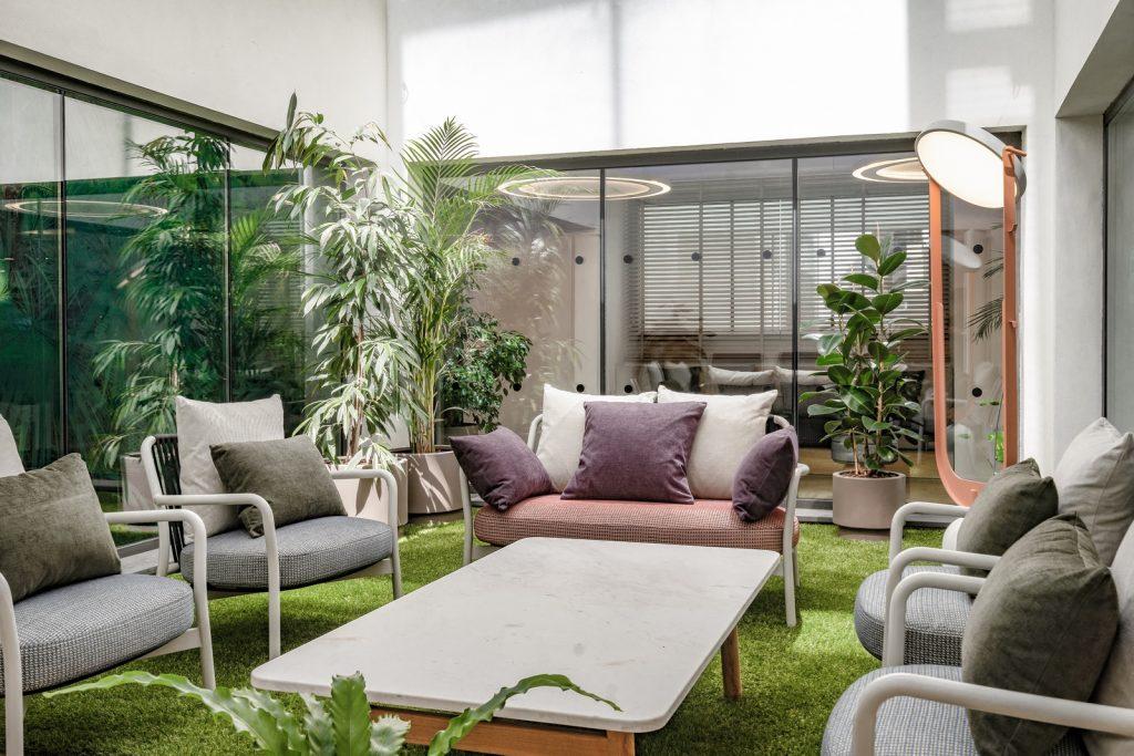 Diversión y algo de trabajo: nuevas oficinas de Xcelirate en Barcelona por Lagranja Design 5