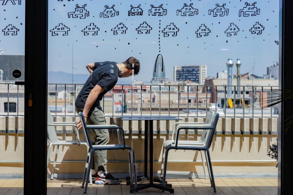 Diversión y algo de trabajo: nuevas oficinas de Xcelirate en Barcelona por Lagranja Design 7