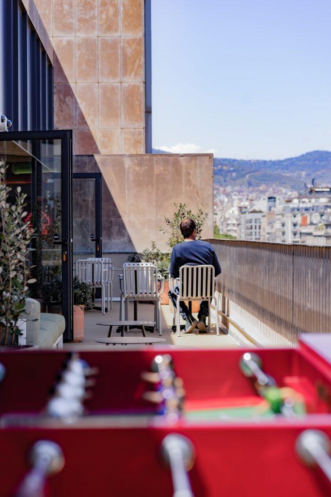 Diversión y algo de trabajo: nuevas oficinas de Xcelirate en Barcelona por Lagranja Design 6