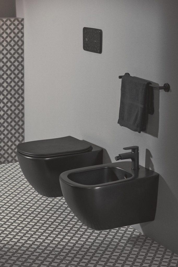 Atrévete a ser diferente con el nuevo acabado negro seda de Ideal Standard 5