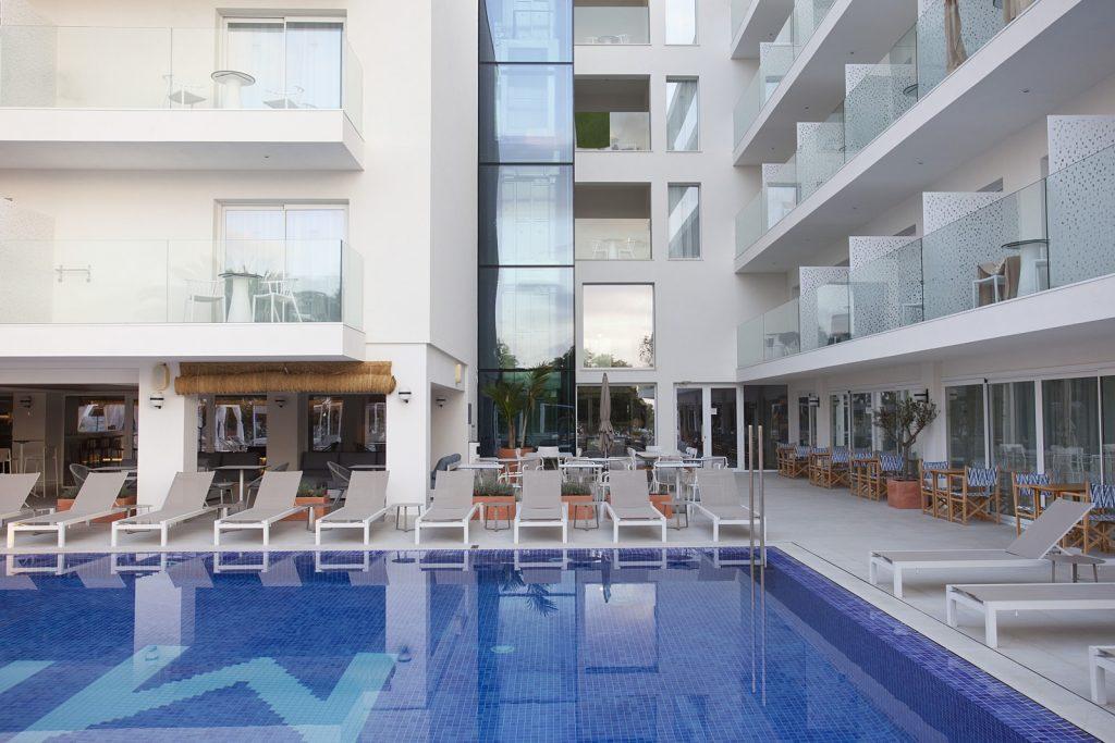 Frescura mediterránea y 'lifestyle casual' en el hotel MIM Mallorca, proyectado por Arquitectura GMM 29