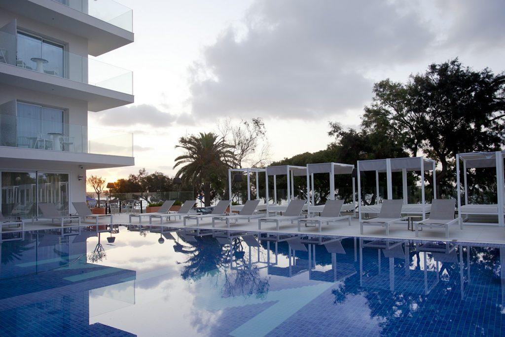 Frescura mediterránea y 'lifestyle casual' en el hotel MIM Mallorca, proyectado por Arquitectura GMM 28
